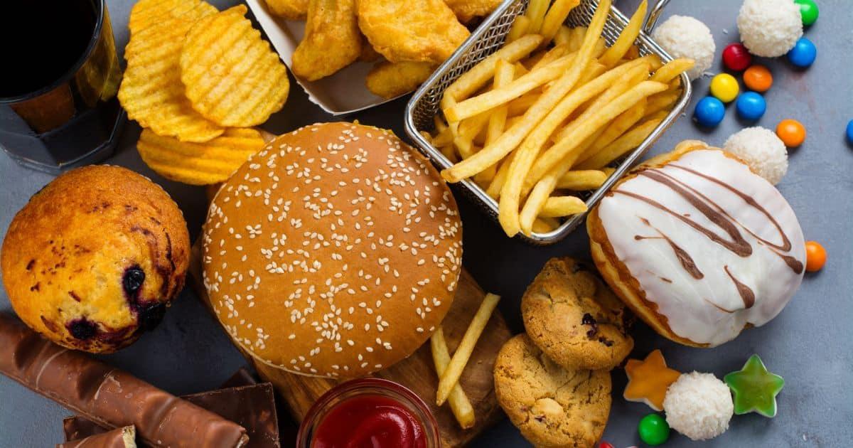 3 أطعمة يجب تجنبها لأنها تسبب الأكتئاب - المشاهدات : 2.71K