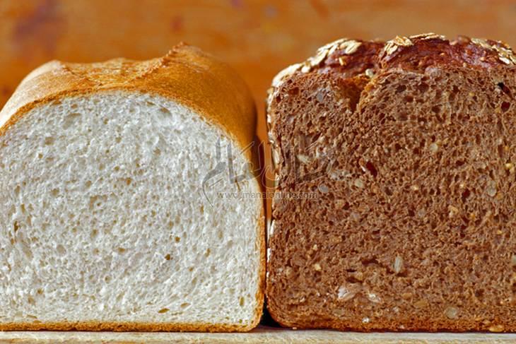 الفرق بين الدقيق الأبيض ودقيق القمح الكامل