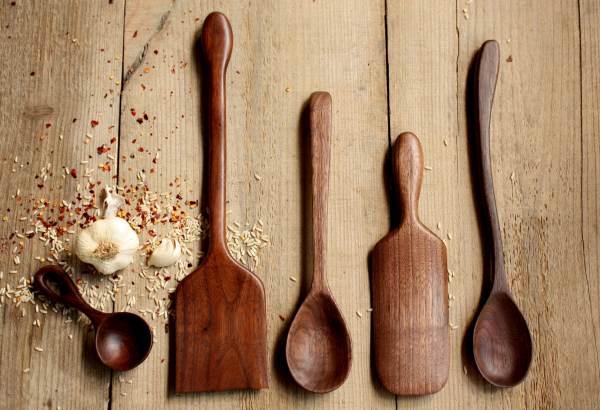 أيهم أفضل الخشب، المعدن أم السيلكون؟ -1