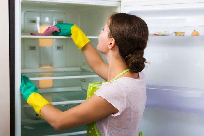 طرق سحرية لتنظيف الثلاجة وإزالة الروائح الكريهة منها - المشاهدات : 5.74K