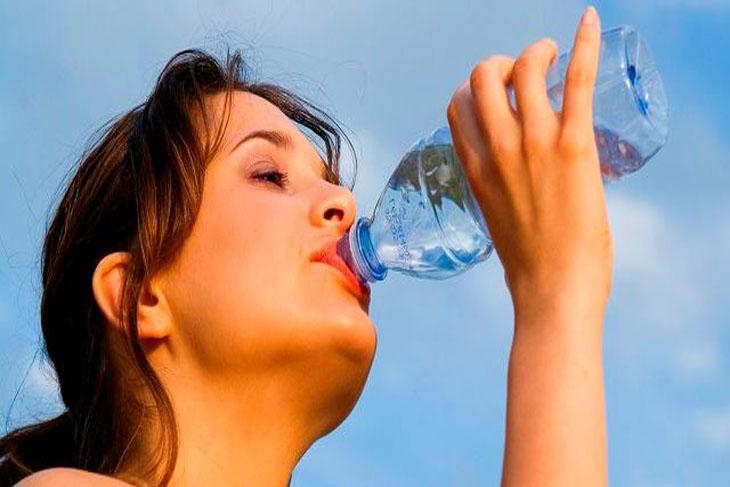 5 أسباب لتغيير حياتك وشرب المزيد من الماء