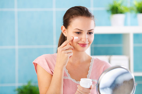 نصائح تفيد المرأة في المحافظة على نضارة بشرتها - المشاهدات : 34.2K