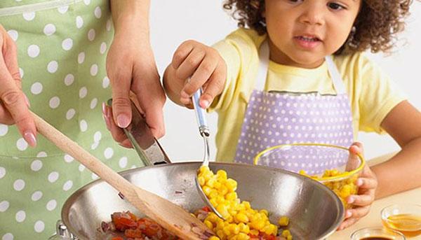 مساعدة طفلك على المشاركة فى الاعمال المنزلية - المشاهدات : 4.54K