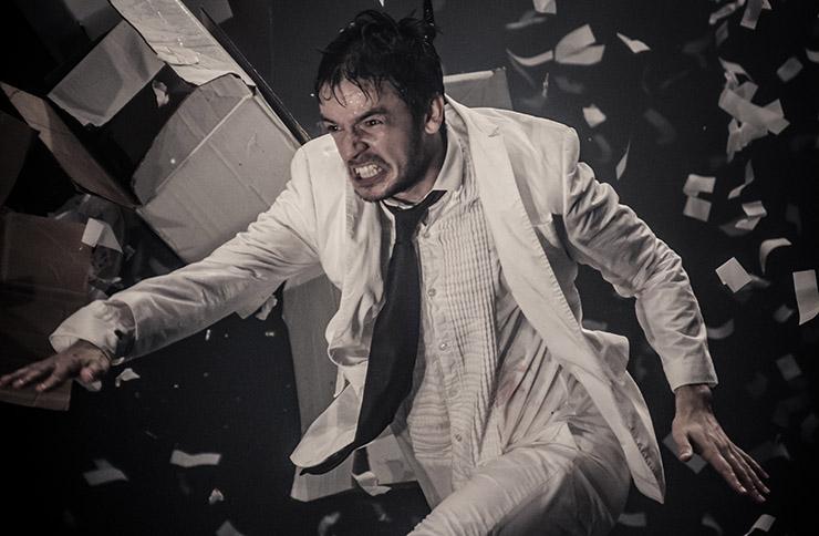 Liam Lane in Fuerzabruta