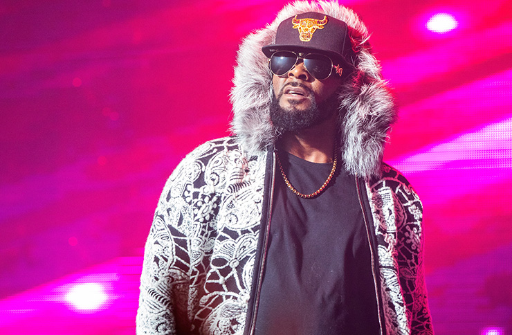 R Kelly accused of grooming 14-year-old girl into 'sex pet'