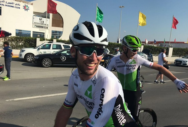 Mark Cavendish wins third stage of Dubai Tour
