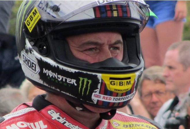 John McGuinness joins Farquhar's KMR team for Lightweight TT