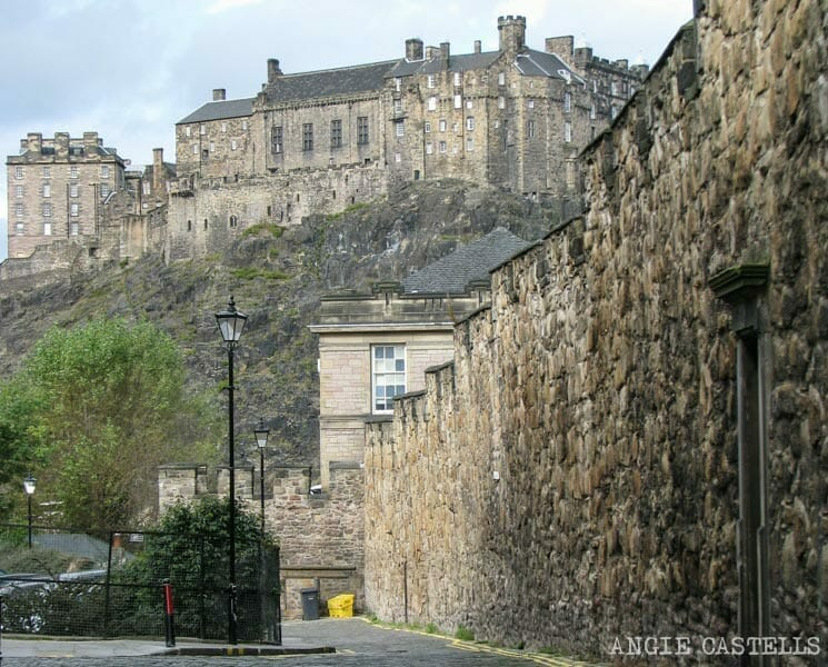 Las murallas de Edimburgo Old Town Heriot Place