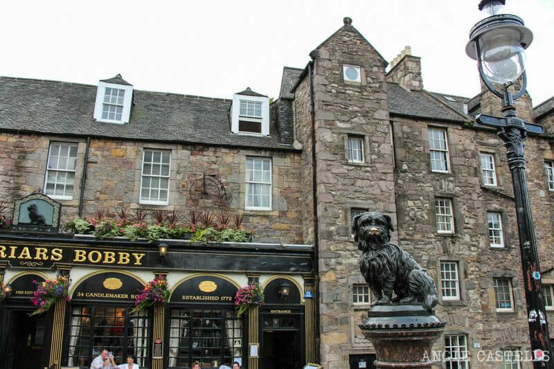 Ruta por la Old Town de Edimburgo - Estatua perro Bobby