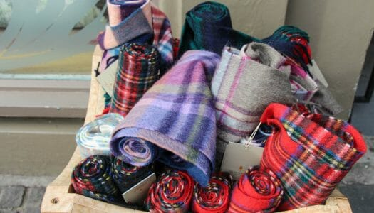 10 souvenirs originales que puedes comprar en Escocia