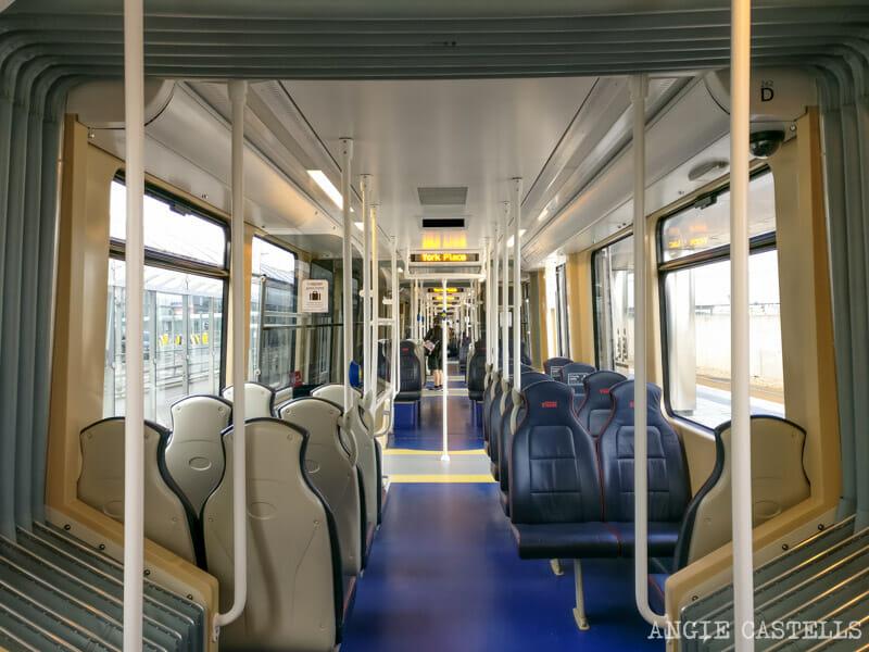 Cómo ir del aeropuerto de Edimburgo al centro de la ciudad: el tranvía