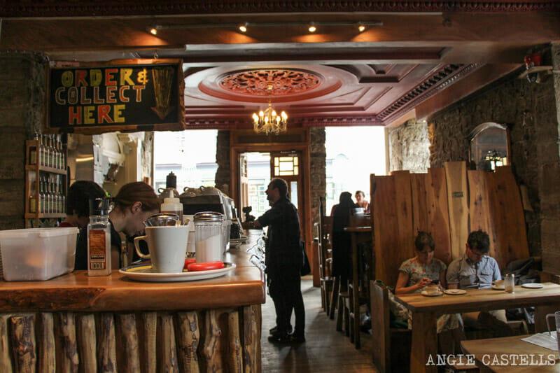 Mejores cafeterias de Edimburgo Black Medicine