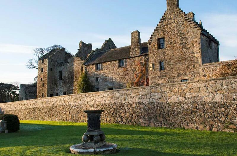Dónde se rodó Outlander en Escocia - Aberdour Castle
