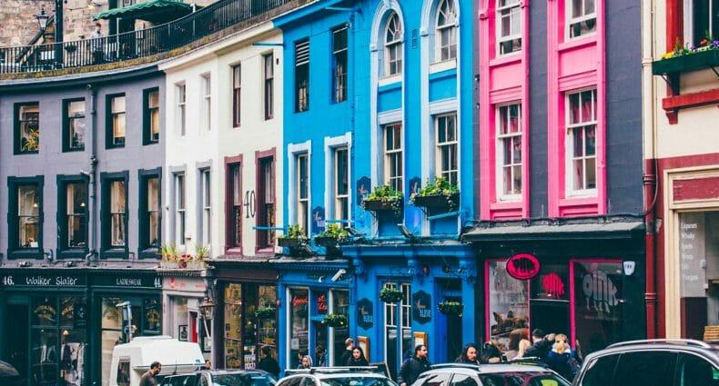 99 cosas que hacer en Edimburgo - Victoria Street