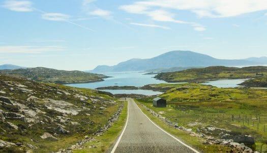 Consejos para conducir por Escocia (y por la izquierda)