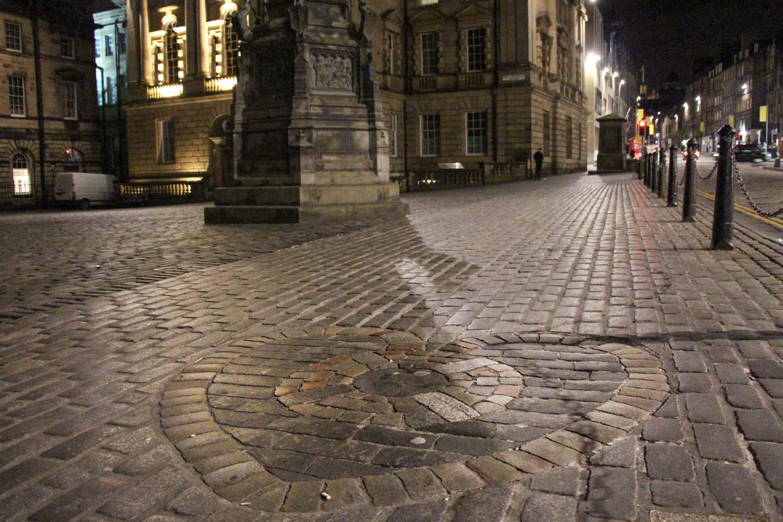 Ruta por los escenarios de Outlander en Edimburgo carcel Tolbooth St Giles