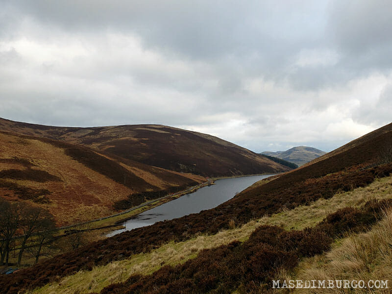 Ruta Pentlands Edimburgo Loganlea Reservoir