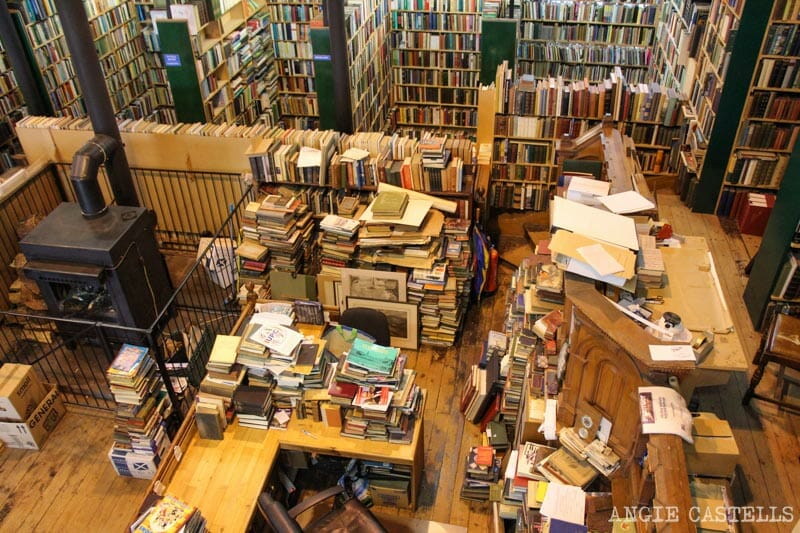 Visitar Inverness Que ver Leakys Bookstore