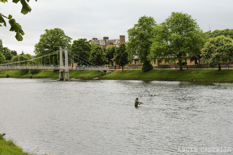 Visitar Inverness Que ver Rio Ness