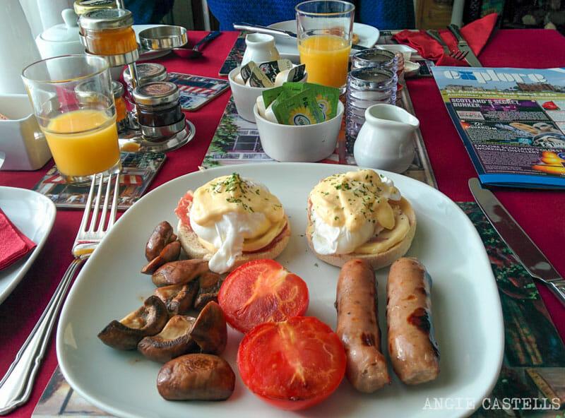 Cosas-que-pasan-viajar-por-Escocia-800-Desayuno-escoces