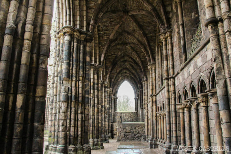 Visitar el palacio de Holyrood y la Holyrood Abbey, en Edimburgo