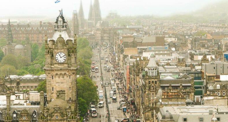 Dónde sacar las mejores fotos de Edimburgo: Calton Hill y el Nelson Monument