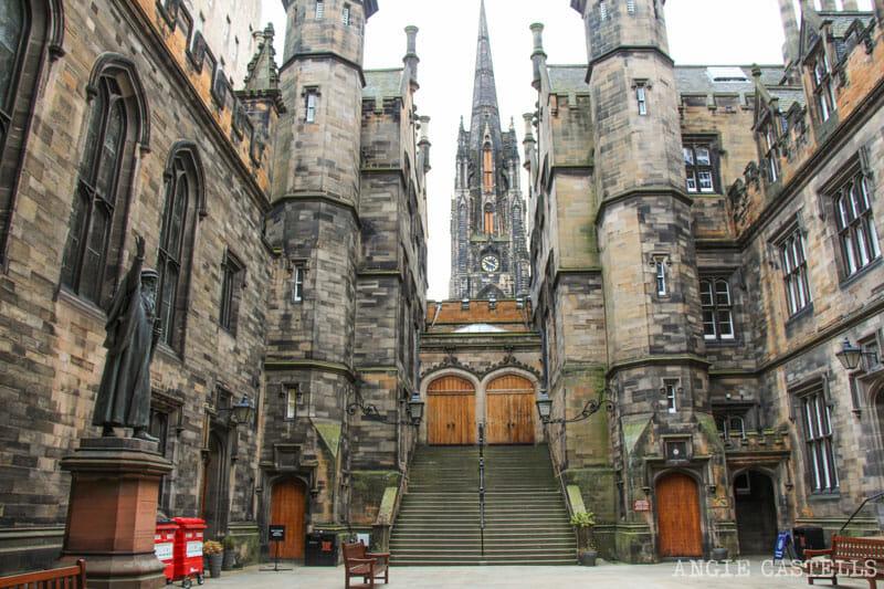 Dónde sacar fotos de Edimburgo - El New College y la School of Divinity