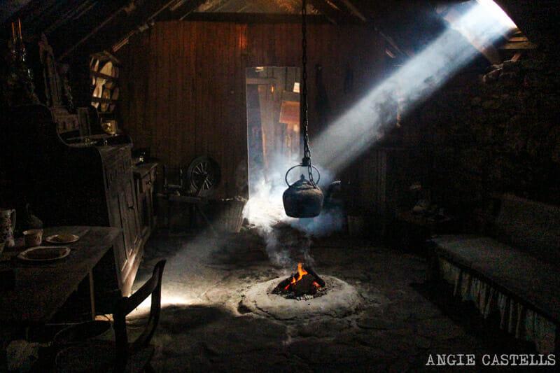 Razones para visitar la isla de Lewis y Harris - Arnol Black House