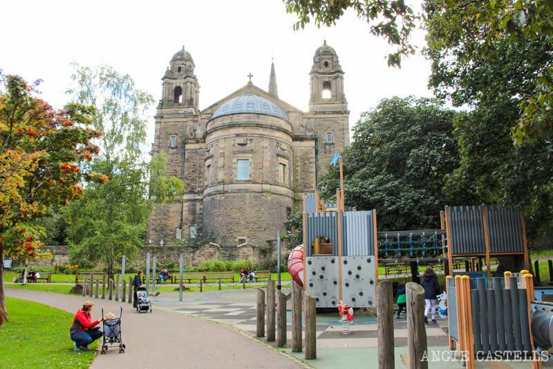 Qué hacer en Edimburgo con niños - Parque infantil Princes St Gardens