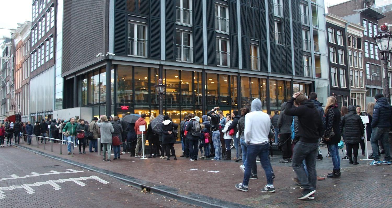 Warteschlange am Anne Frank Haus