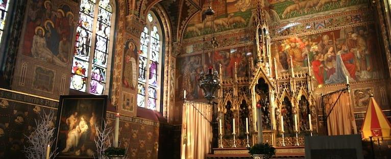 Visit Basilica of Holy Blood in Bruges