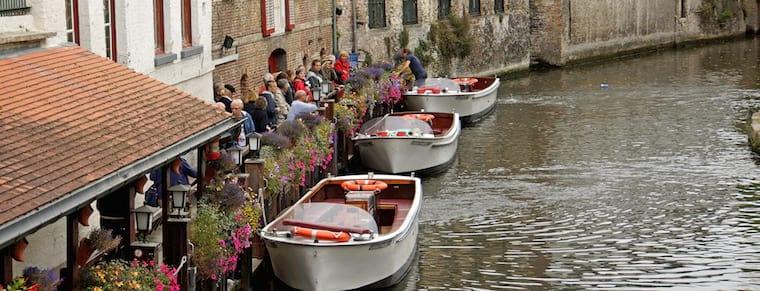 Boat cruise queue in Bruges