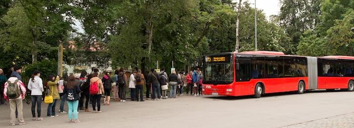Очередь на автобус до Хоэншвангау