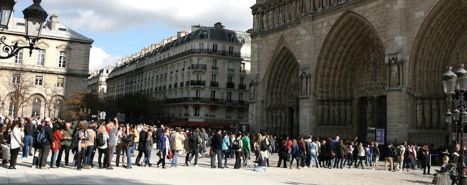 Notre-Dame Cathedral Queue