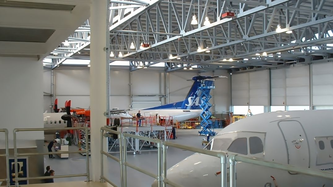 09 Fly Be Exeter Airport Hanger Robinson Design Group Shipley C