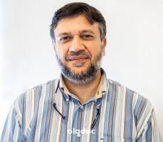 Prof. Dr. Navid Rashid Qureshi (Oral and Maxillofacial Surgeon, Implantologist, Dentist) Karachi
