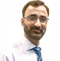 Dr. Shayan Shadmani (Eye Specialist, Eye Surgeon) Karachi