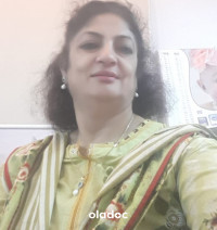 Top Gynecologist Karachi Dr. Asha Mahesh