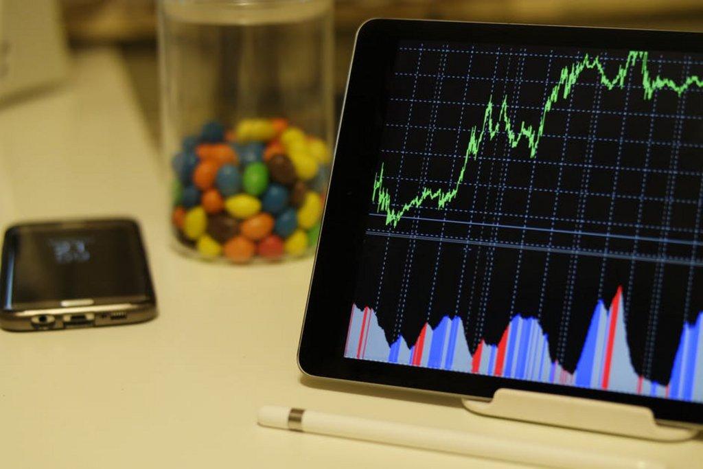 Pexels - graphes sur iPad.