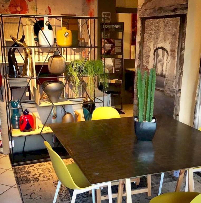 Negozi arredamento torino arredo e mobili for Arredo negozi torino