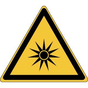Danger - rayonnement optique - triangle de couleur jaune