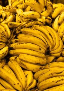 Mains de bananes mûres