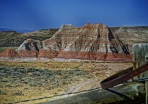 Montagne à strates rouges
