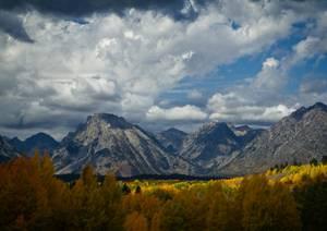 Panorama montagneux en automne