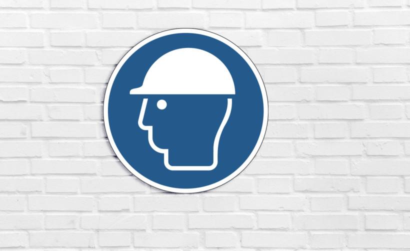 Signalétique de sécurité : casque de protection obligatoire