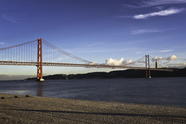 Rondreis Portugal Lissabon brug