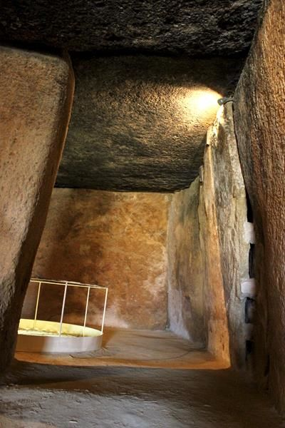 Antequera Dolmen de Menga Andalusië