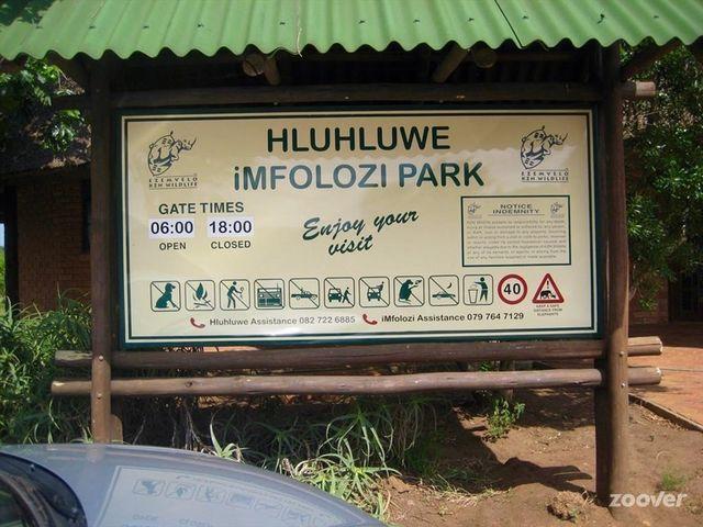 rondreis zuid-afrika ingang Hluhluwe iMfolozi Game Reserve