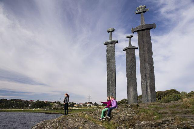 monument Sverd i fjellc zwaarden Noorwegen