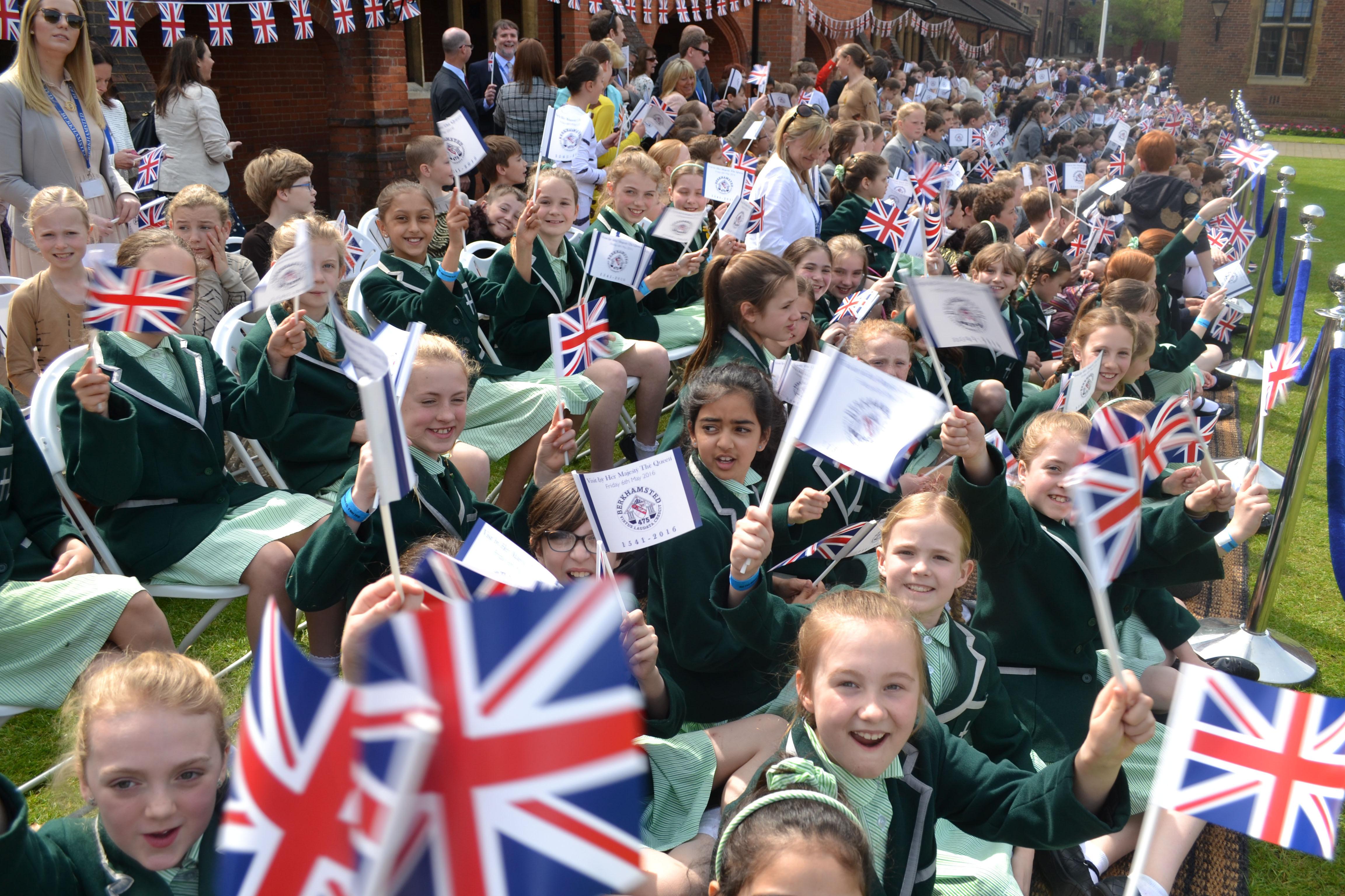 Iaps School News Heatherton House Pupils Meet The Queen